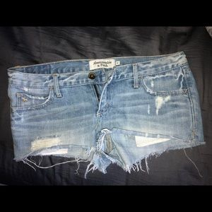 Abercrombie & Fitch Jean distressed short shorts